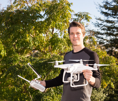 topVIEW photographer with drone in Auckland